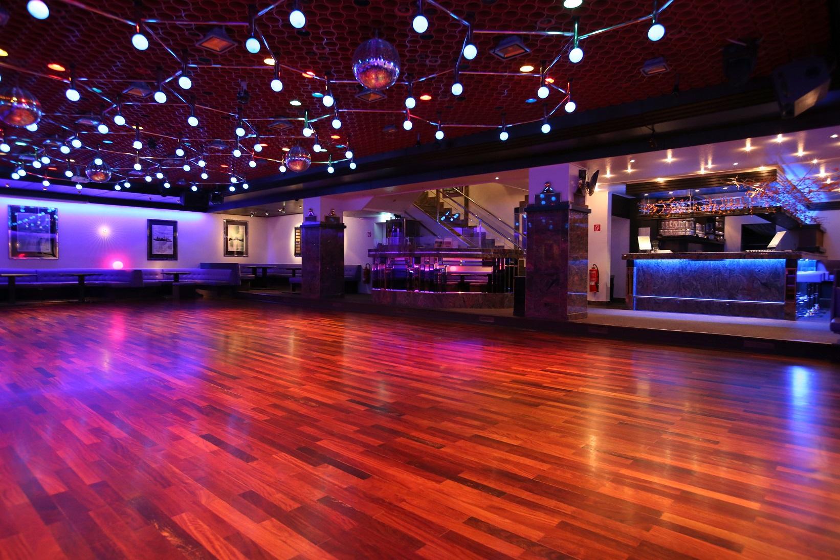 Der untere Saal der Tanzschule Neubeck - Ansicht 3