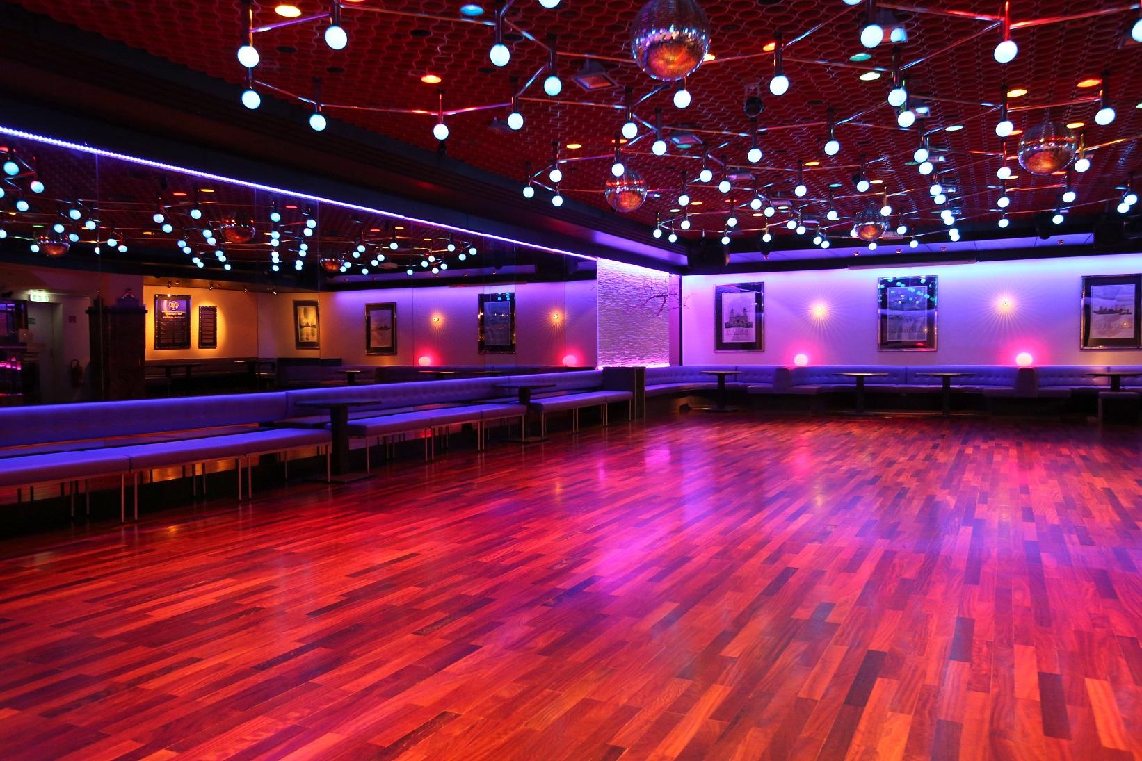 Der untere Saal der Tanzschule Neubeck - Ansicht 4