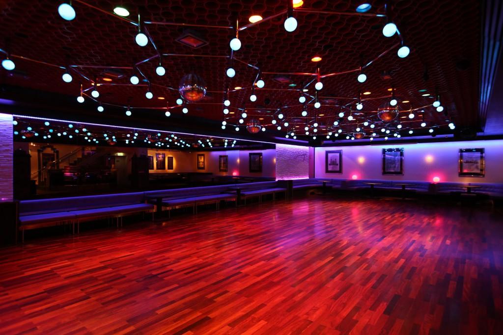 Der untere Saal der Tanzschule Neubeck - Ansicht 1